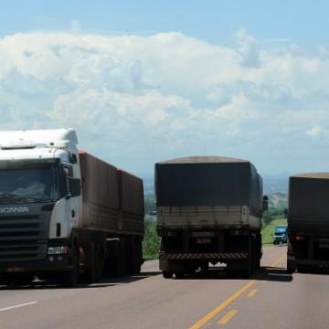 Regras para frete rodoviário em vigor. Multas estão previstas