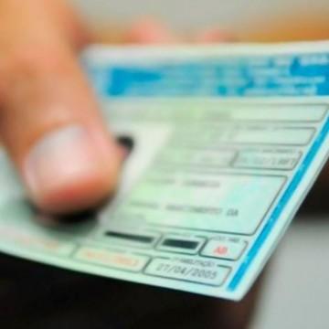Detran-PE divulga novos prazos para CNH e outros serviços