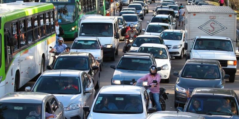 A ideia é chamar a atenção de motoristas, motociclistas, ciclistas e pedestres sobre os cuidados básicos que todos devem ter para um trânsito seguro