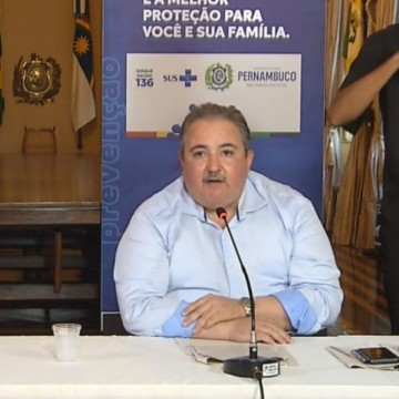 Longo cobra prefeitos da RMR por leitos: