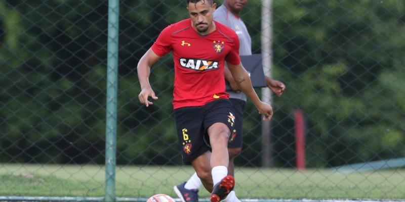 Marcão e Guilherme Lazaroni voltaram a treinar com bola e podem atuar na próxima rodada