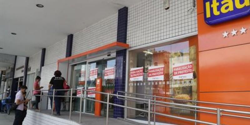 O atendimento ao público foi interrompido em 12 unidades bancárias