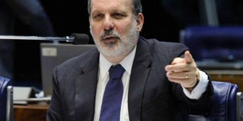 Ex-senador deu entrevista à CBN Recife sobre as medidas tomadas pelo Governo Federal em combate ao coronavírus