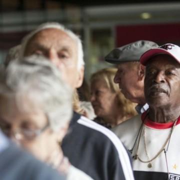 Brasileiros com 65 anos ou mais são 10,53% da população, diz FGV