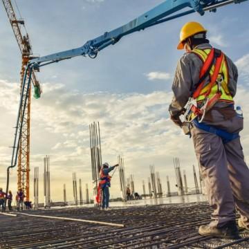 Construção civil aquece mercado de trabalho e gera 317 mil postos em um ano