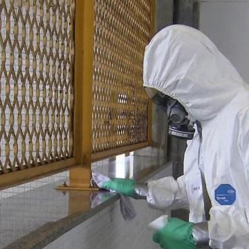 Desinfecção feita por militares continua nesta segunda (27) no metrô