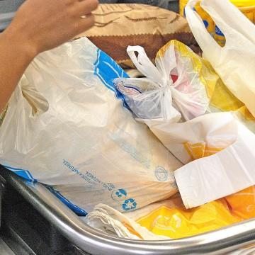 Projeto de Lei proíbe distribuição de sacolas plásticas no comércio do Recife