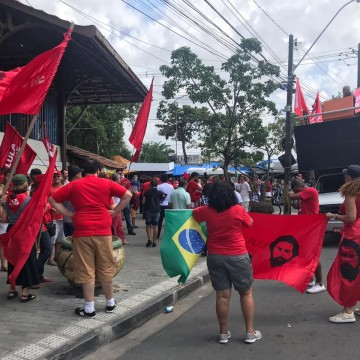 Ato do PT no Recife pede liberdade do ex-presidente Lula