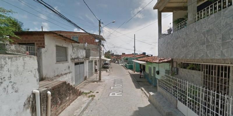 De acordo com a Polícia Civil, as vítimas estavam em uma residência na Rua do Torneio