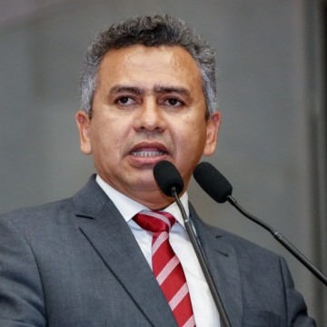 Doriel Barros critica possibilidade de mudanças no FNE
