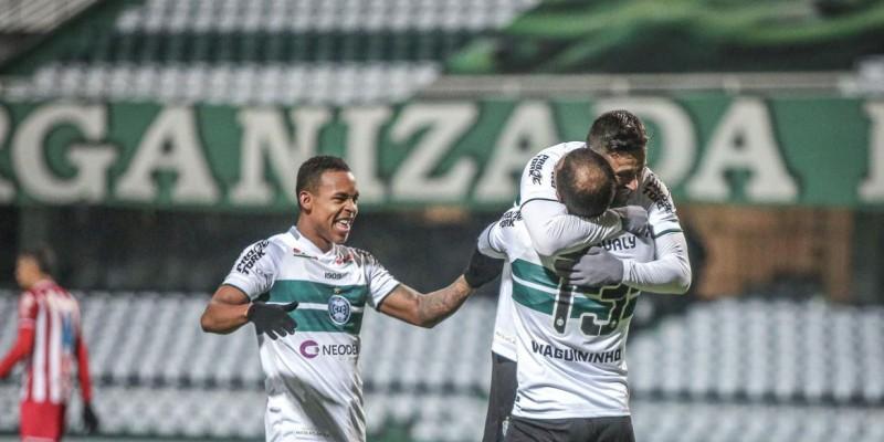 Coxa vence por 3 a 1 com gols de Léo Gamalho, Waguininho e Igor Paixão