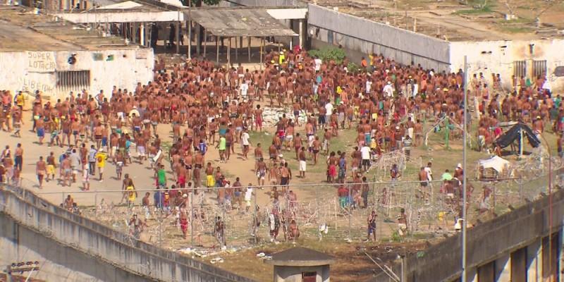Documento assinado pelo secretário estadual de Justiça e Direitos Humanos, Pedro Eurico, defende a necessidade de mais recursos para resolver os gargalos do sistema prisional, um dos mais superlotados do mundo.