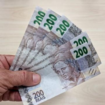 Polícia Federal autua homens suspeitos de repassar notas falsas de 200 reais no comércio