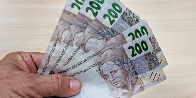 Ao todo, os agentes recolheram R$1 mil em notas falsificadas