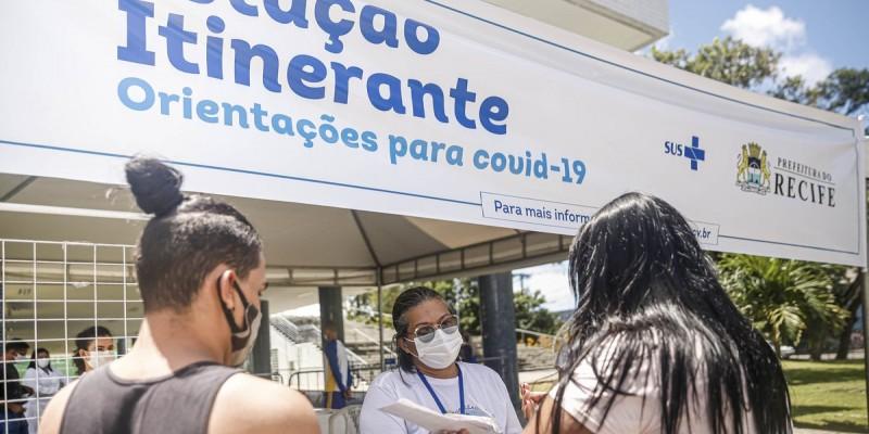 Além disso, a Prefeitura do Recife deve distribuir máscaras e levar orientações de porta em porta nas comunidades mais vulneráveis