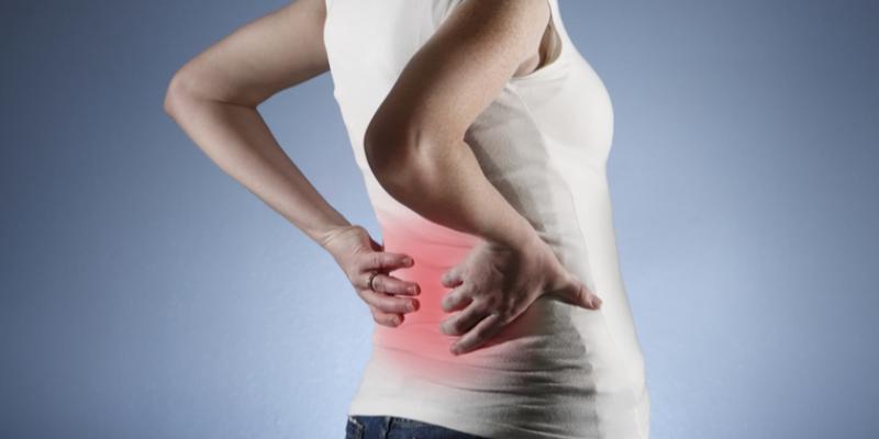 A má postura, inflamação ou mesmo hérnia de disco, são as causas mais comuns