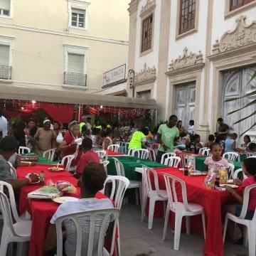 Fundação Terra promove ceia de Natal para pessoas em situação de rua no Recife