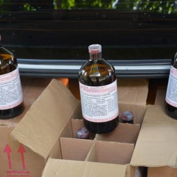 Dois homens são presos com 200 garrafas de solvente para produção de drogas