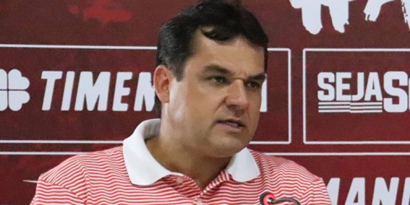 Citando o atacante Álvaro, Diógenes Braga confirmou que jogadores que chegam com certa desconfiança, podem aparecer nos Aflitos