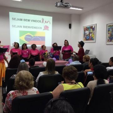 Mulheres refugiadas fazem exame preventivo de câncer de mama