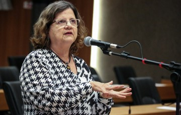 CCJ da Assembleia aprova reajuste de 4,17% no salário dos professores