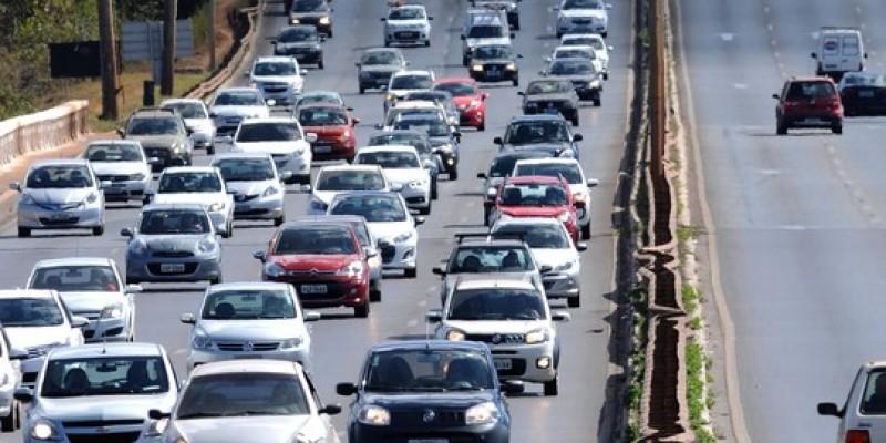 O presidente do Sindicato dos Corretores de Seguros do Estado de Pernambuco(Sincor-PE),Carlos Valle, alerta para educação no trânsito.