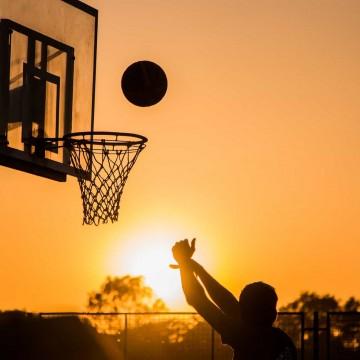 Treinamentos de esportes coletivos poderão retomar nesta segunda