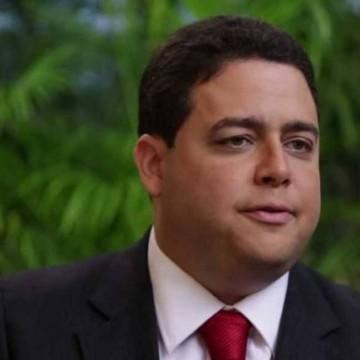 Felipe Santa Cruz garante