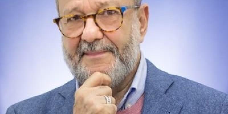 "Na dica de leitura desta semana, o professor Aloísio Sotero sugere ""Incrivelmente Simples"", de Ken Segall"