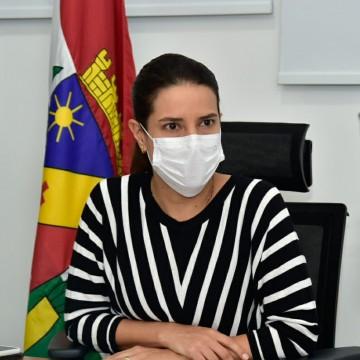 Raquel Lyra anuncia benefício financeiro para artistas de Caruaru