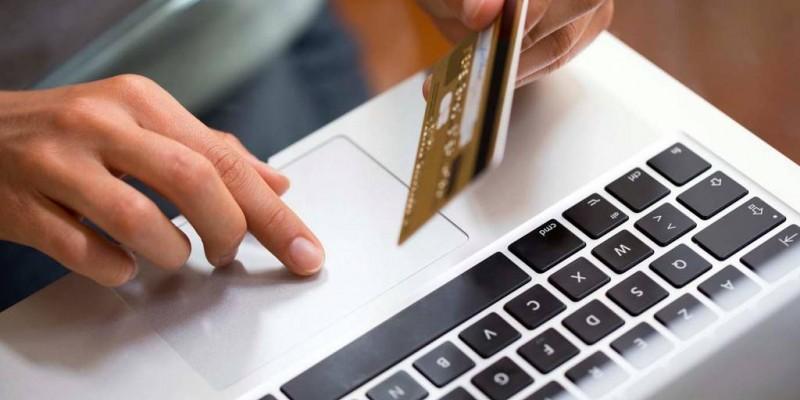 Um fenômeno recente que tem chamado a atenção é o crescimento dos phishings, prática que usa e-mail ou SMS de celular para roubar informações do usuário
