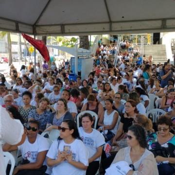 Professores da rede municipal do Recife continuam em greve