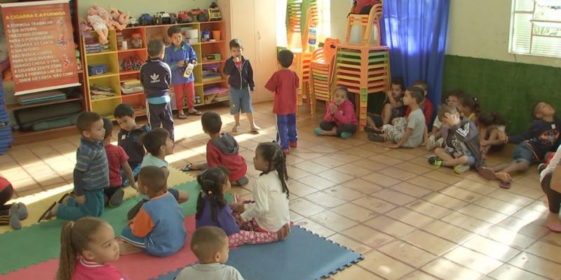"""No Encontro dos Conselhos Municipais em Educação, o tema central é """"Educação infantil na construção da cidadania"""""""