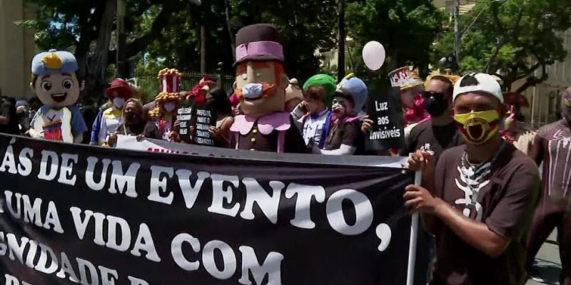 Os manifestantes pedem uma retomada gradual, com a realização de eventos menores, para poucas pessoas