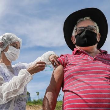 Jaboatão abre três novos pontos para vacinação contra Covid-19 e amplia faixa etária de imunização