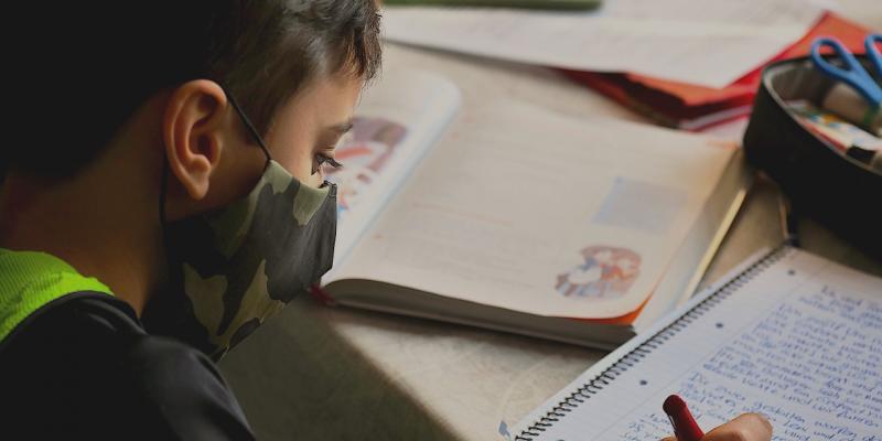 Pedagoga aconselha pais na retomada dos estudos