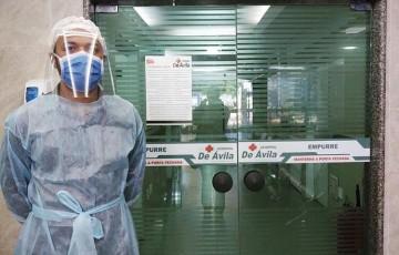 Profissionais de saúde estão sem receber salários no Hospital De Ávila
