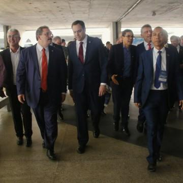Seminário reúne prefeitos e gestores pernambucanos no Centro de Convenções