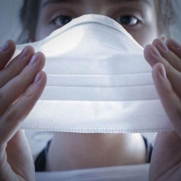 Mais entidades médicas assinam documento defendendo o uso de máscaras, na contramão do que prega o presidente Jair Bolsonaro