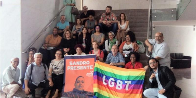 Manifestação lembrou morte do professor e ativista LGBT Sandro Cipriano e atentou para escalada dos crimes violentos motivados pelo preconceito.