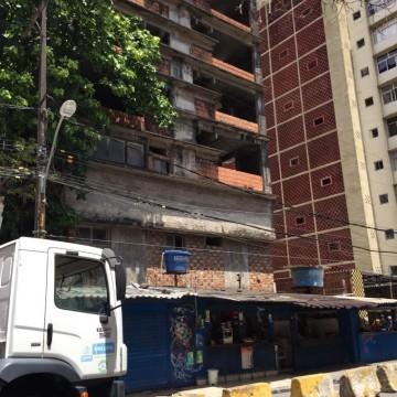 Defesa Civil do Recife isola área no centro da cidade