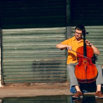 Pedro Huff lança primeiro álbum de canções