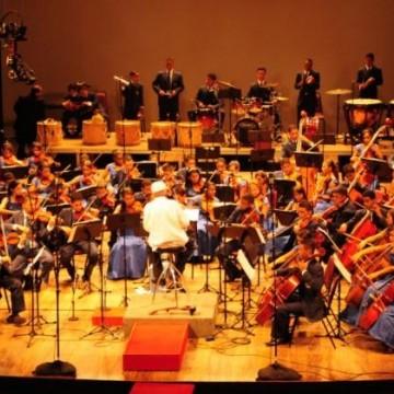 Orquestra Cidadã Meninos do Coque se apresenta no Teatro Santa Isabel