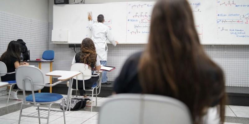 Nesta primeira etapa, estudantes da educação infantil e do ensino fundamental dos anos iniciais serão liberados para voltar às salas de aula