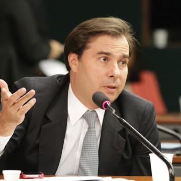 Maia defende equilíbrio diante de ataques às instituições  Fonte: Agência Câmara de Notícias