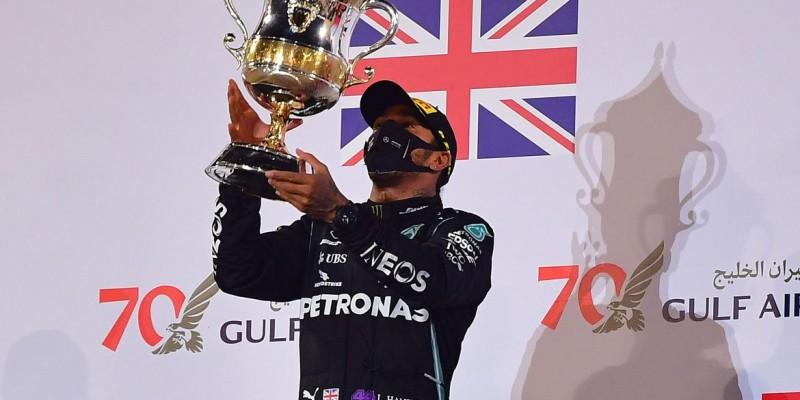 Grosjean, piloto francês, escapou após 29 segundos dentro das chamas