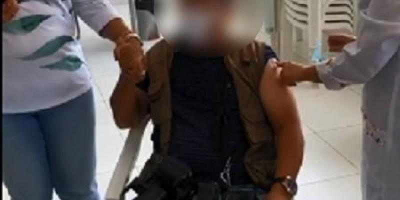 O fotógrafo recebeu uma das 136 doses que foram disponibilizadas ao município de Jupi, mesmo não fazendo parte do grupo prioritário