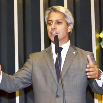 "Molon diz que Bolsonaro ""apequenou"" o Brasil na ONU"