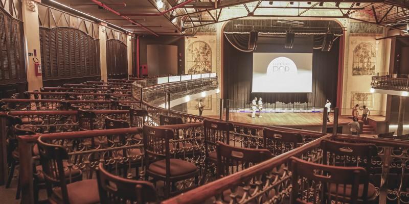 Nesta sexta-feira (11) e no sábado (12), um espetáculo teatral e a exibição de um filme histórico pernambucano marcam o retorno do equipamento.  A apresentação segue os protocolos sanitários
