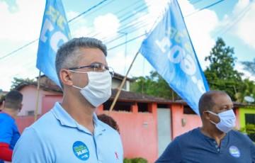 Luiz dos Passos Jr visita lideranças cumprindo normas sanitárias e inova com comício on-line